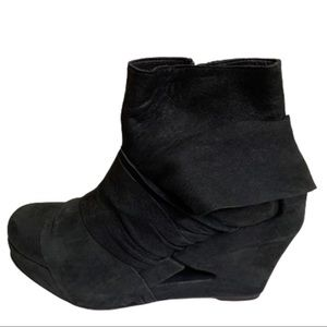 LD Tuttle Wrapped ankle Boot Wedges Women's Shoe